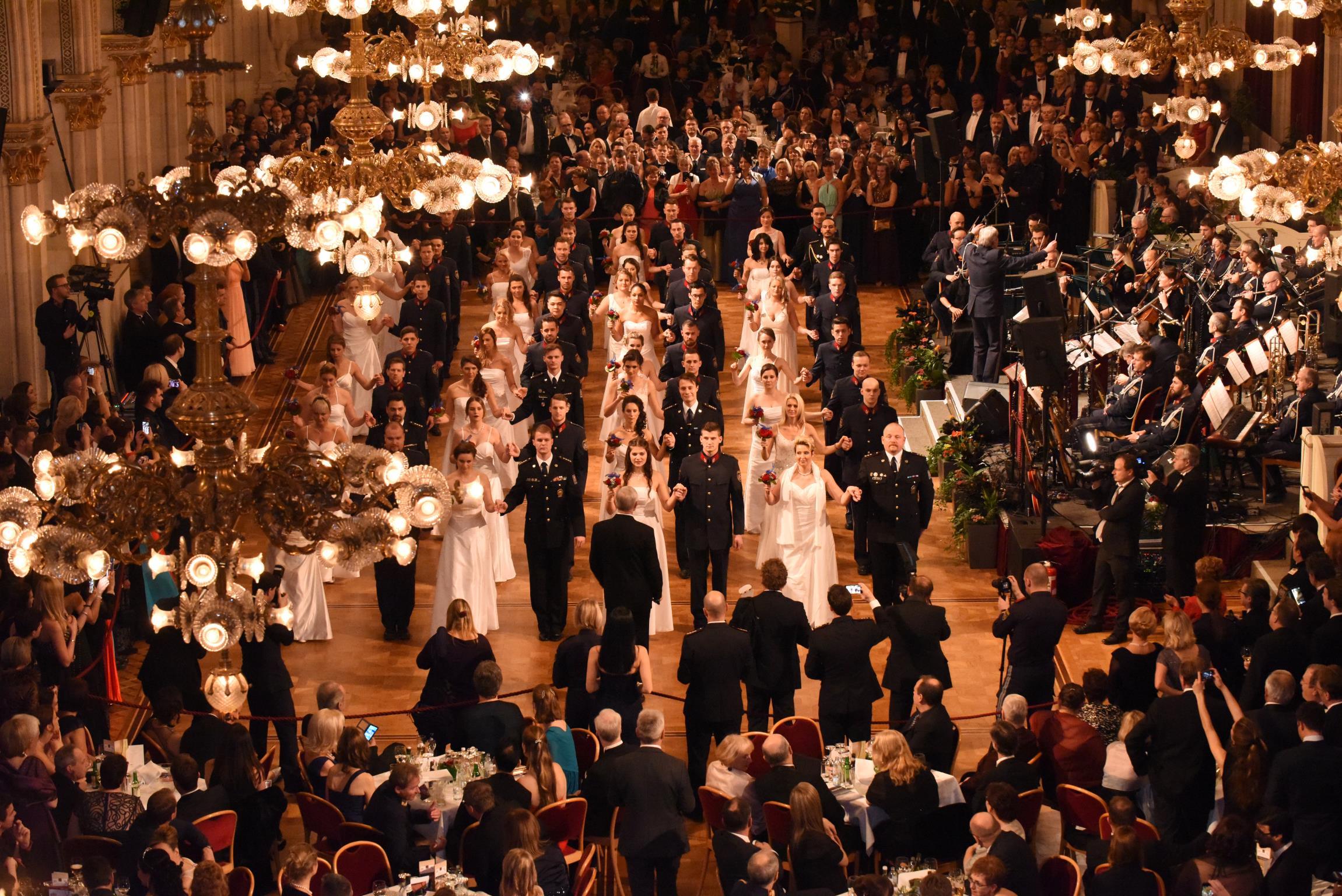 Die feierliche Balleröffnung. Foto: LPD Wien