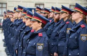 Ein feierlicher Akt für junge Polizistinnen und Polizisten